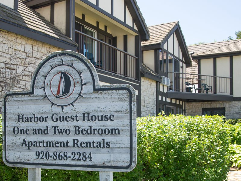 guest-house-sign